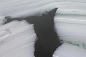 木崎湖凍結断面