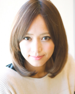秋色ミディアム髪型