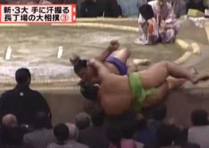 4回の取り直し大相撲