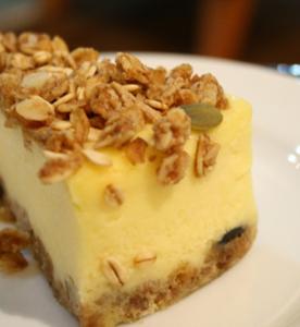 グラノーラチーズケーキ