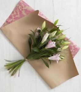 お花のプレゼントラッピング
