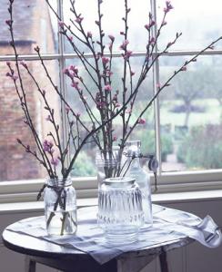 桜の枝のフラワーアレンジ方法