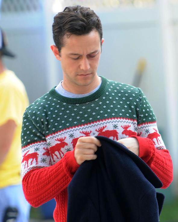 かわいいクリスマスダサいセーターコーデ